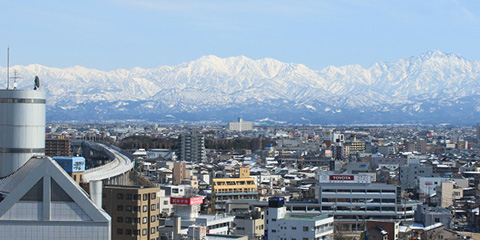 JR富山駅より徒歩7分