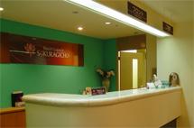 桜木町駅徒歩3分。ブリーズベイホテル地下1階。出張・観光の拠点として最高の立地。
